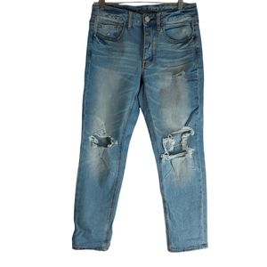 AEO Tomgirl Distressed Busted Knee Tomgirl Jeans